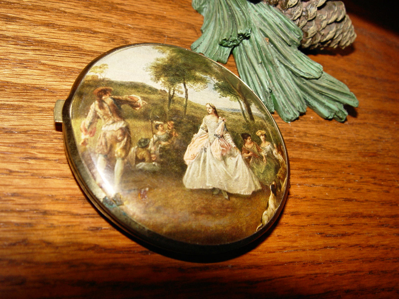 Vintage                                         mirror compact w/ French scene ~                                         1950s - 60's celluloid plastic