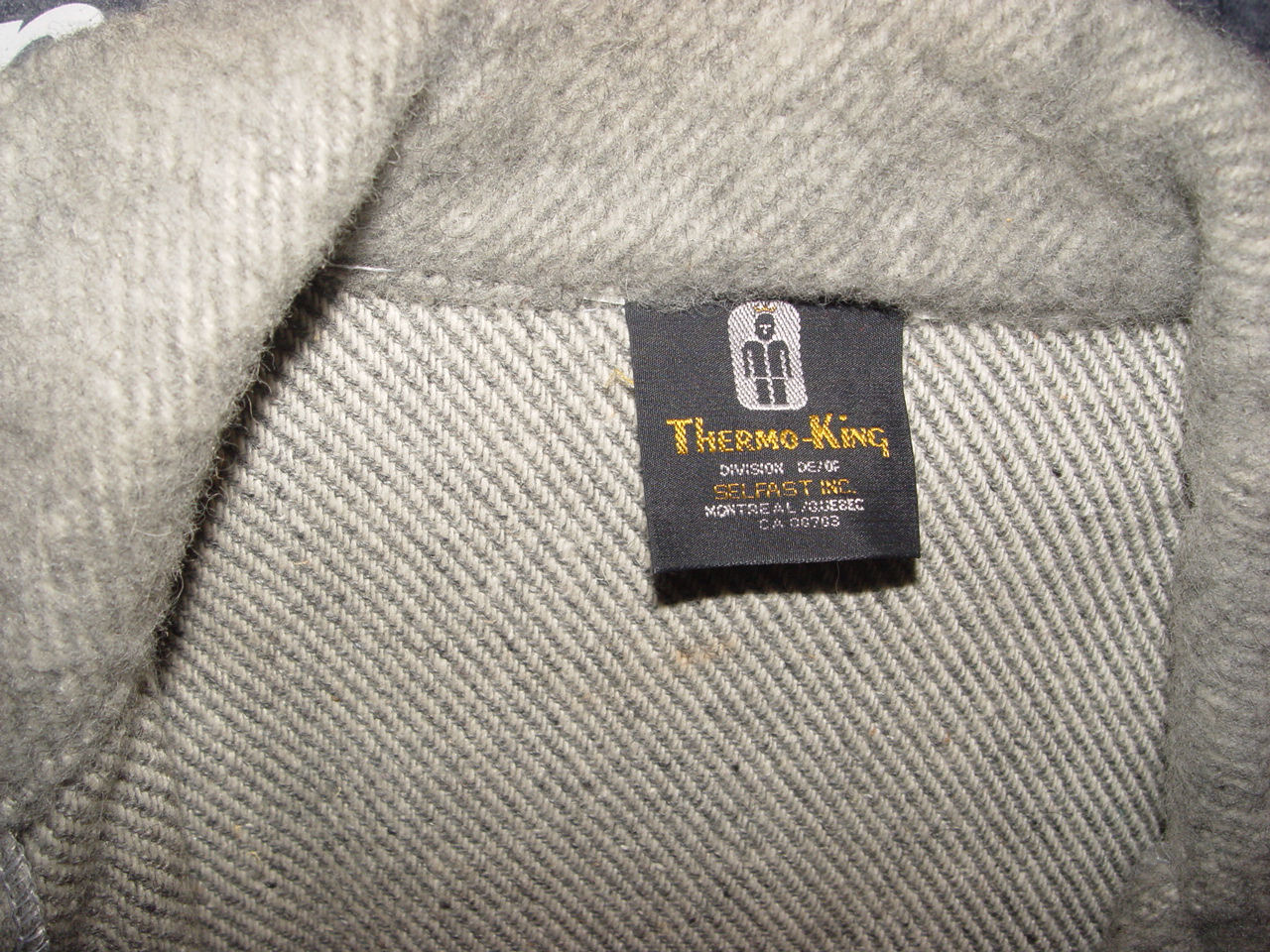Vintage                                         Traditional Styled Classic                                         Cruiser Men's Soft Tweed Wool                                         Coat ~ Size L Thermo King                                         Montreal / Quebec 1960's